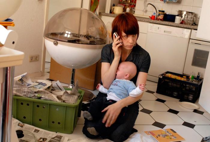 Jenny Zylka Autorin & Journalistin, 2 Kinder - geht nich gibt's nich – 48 Stunden sind ein Tag Fotoausstellung von Beate Nelken