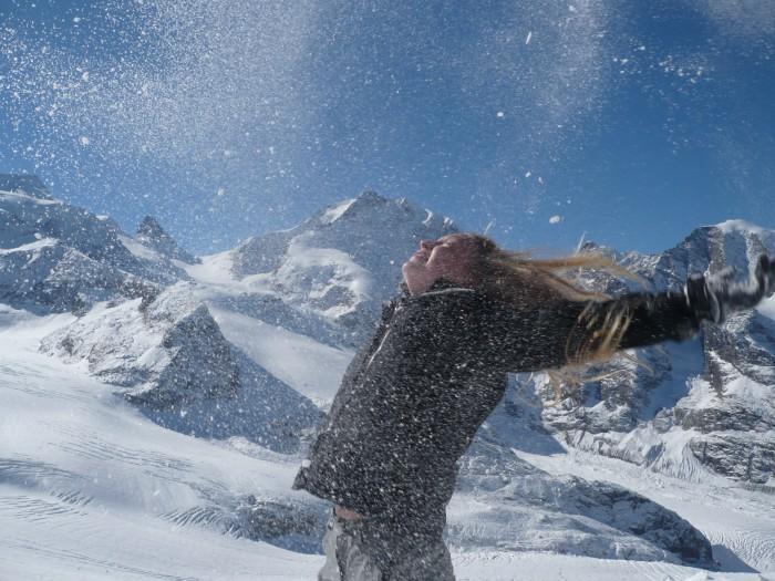 Polly tanzt im Schneesturm